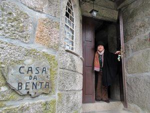 VisitLafões homenageia Isabel Silvestre pelo seu 80º aniversário.